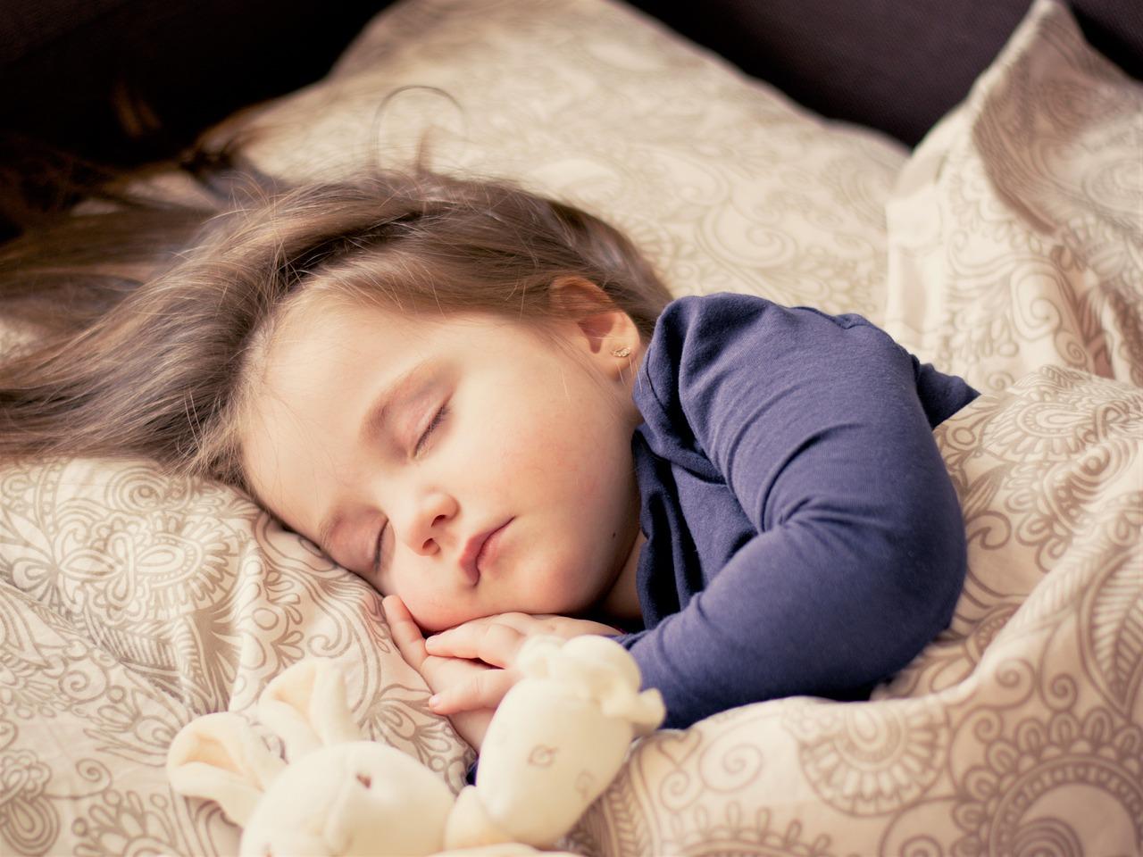 Toddler sleeping with night light